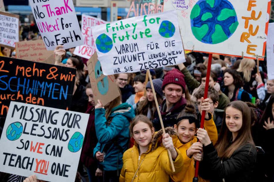 """Die Leipziger Ortsgruppe von """"Fridays For Future"""" fordert Handeln, statt langen Redens bei der Klimakonferenz. (Symbolbild)"""