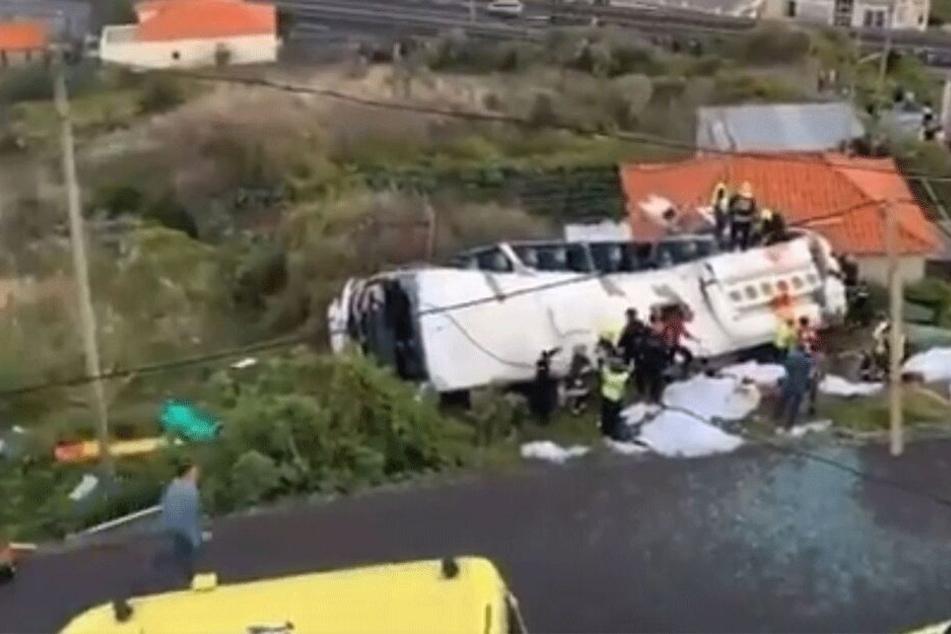 Möglicherweise 28 Deutsche unter den Todesopfern! Bus auf Madeira verunglückt