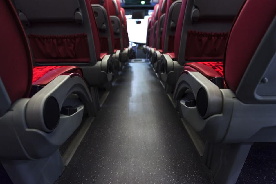 A72: Schleuser in Reisebus entdeckt und festgenommen
