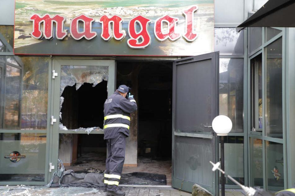 """Das Restaurant """"Mangal"""" wurde bei dem Brandanschlag schwer beschädigt."""