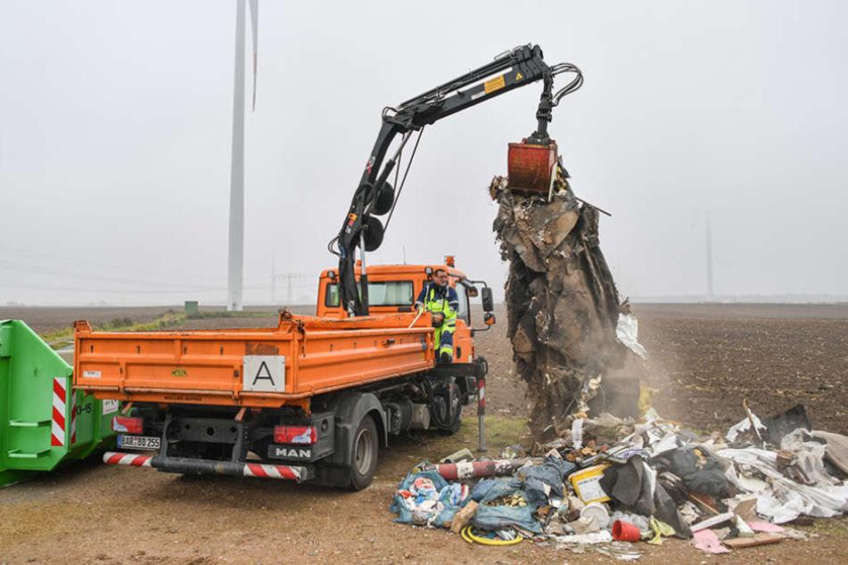 Rund 100.000 Euro hat den Landkreis Barnim in diesem Jahr die Beräumung illegalen Mülls bereits gekostet.
