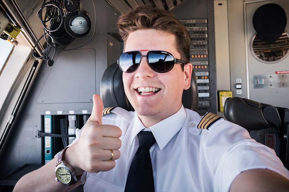 Pilot Felix Gottwald machen 12-Stunden-Schichten nichts aus.