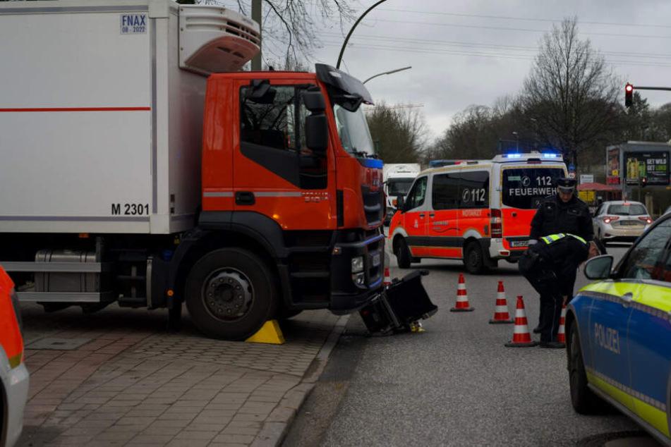 Die Polizei sperrte die Unfallstelle ab.