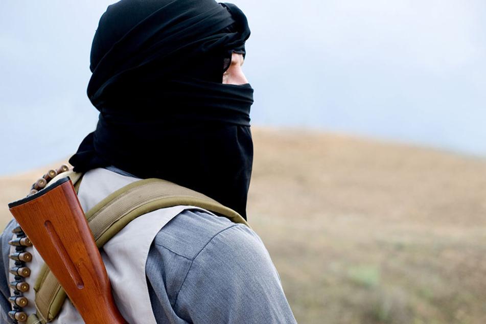 Der 23-Jährige soll Kontakt zu IS-Attentätern gehabt haben. (Symbolbild)