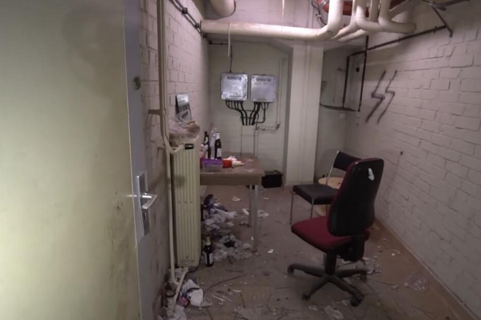 """Im Keller der Klinik wird ein Raum noch """"bewohnt""""."""