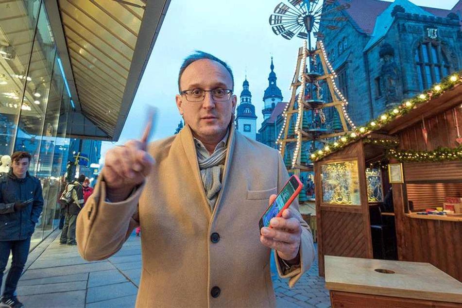 Jörg Vieweg (46) möchte einen Weihnachtsmarkt ohne Smartphones.
