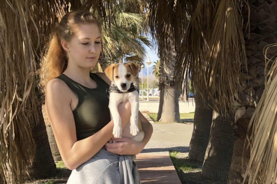 """""""Take me out""""-Kandidatin Denise Kreppel (19) soll Spenden von rund 17.000 Euro auf den Kopf gehauen haben."""
