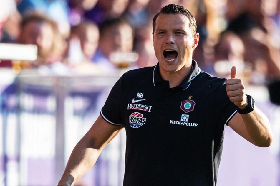 Daumen hoch: Interimscoach Marc Hensel konnte mit dem Auftritt seiner Mannschaft gegen die Übermacht aus Stuttgart absolut zufrieden sein.