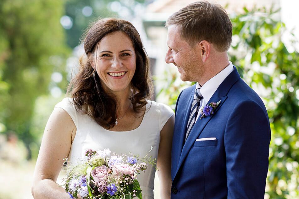 Das frisch gebackene Ehepaar Annett Hofmann (44) und Michael Kretschmer (45).
