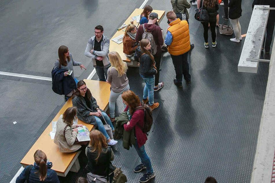 Geschlechtertrennung auf den Toiletten an der Uni Bielefeld? Bald nicht mehr!