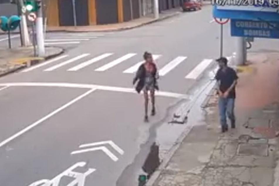 Skrupelloser Mann erschießt obdachlose Frau wegen ein paar Cent