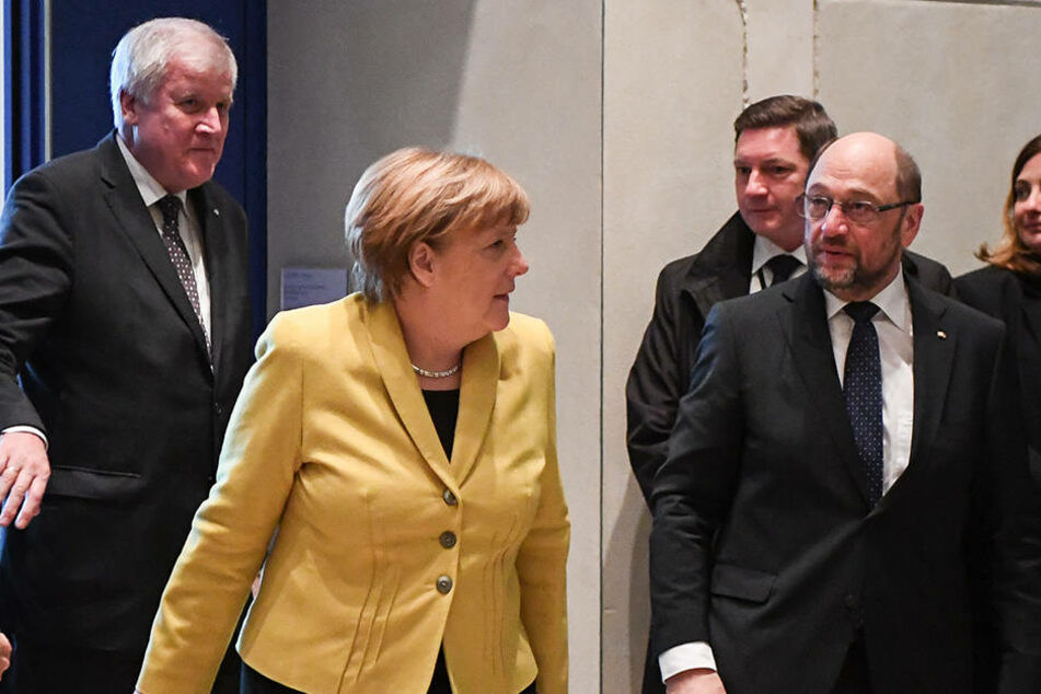 Vor Kurzem trafen die CDU und die SPD zu Sondierungsgesprächen zusammen. Vor der Bundestagswahl lieferten sich Angela Merkel (2. v.l.) und Martin Schulz (2.v.r) ein Duell um die Kanzlerschaft.