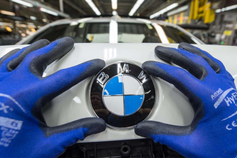 München: Metallteile im Airbag! BMW ruft Hunderttausende Autos zurück!