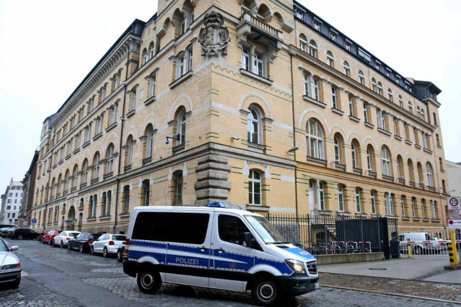 Gemeinsam wollen die Beamten der Polizeidirektion Leipzig und der 2. Bereitschaftspolizeiabteilung gegen Kriminalitätsschwerpunkte vorgehen.