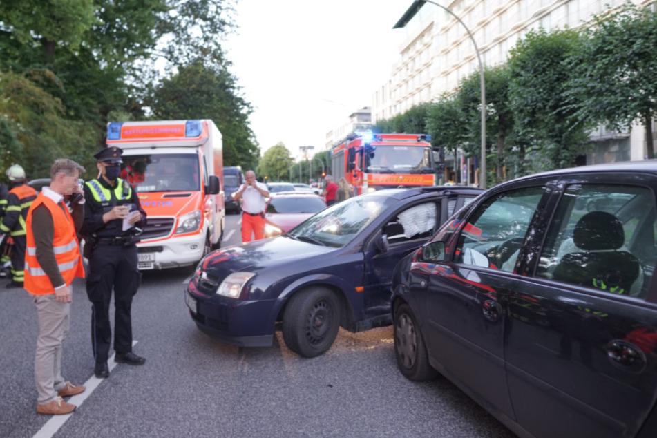 Beim Wenden krachte der Opel in ein anderes Auto.