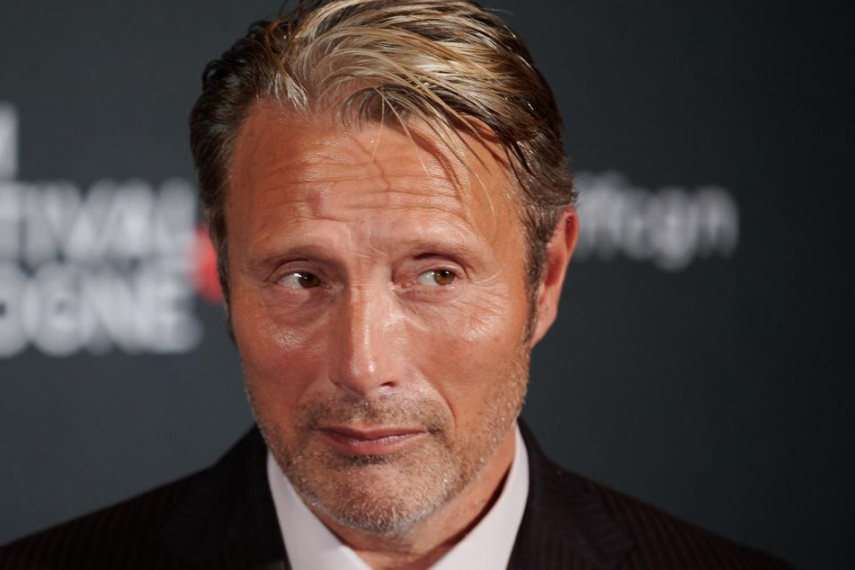 """Mads Mikkelsen (55) übernimmt die Rolle des Grindelwald in """"Phantastische Tierwesen 3""""."""
