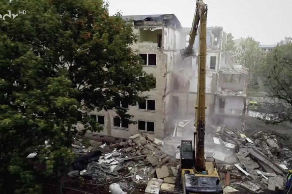 Noch immer werden leerstehende Blöcke in Wolfen-Nord abgerissen.