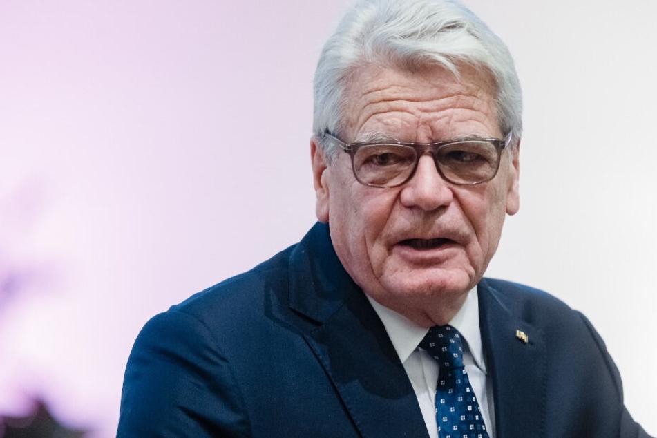 Boots-Unglück! Ex-Bundespräsident Gauck geht von Bord