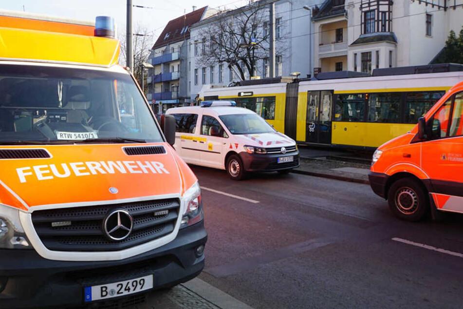 Einsatzkräfte der Feuerwehr und der Polizei waren am Unfallort.