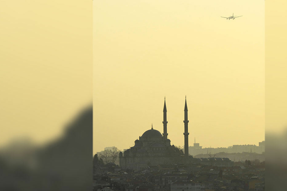 Anrüchig: Bei einem Computerspiel stürzt ein Flugzeug in eine Moschee.