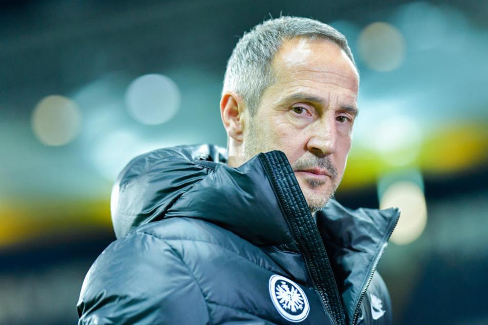 Adi Hütter wird seinen Ex-Kicker vorerst nicht nach Frankfurt lotsen können.