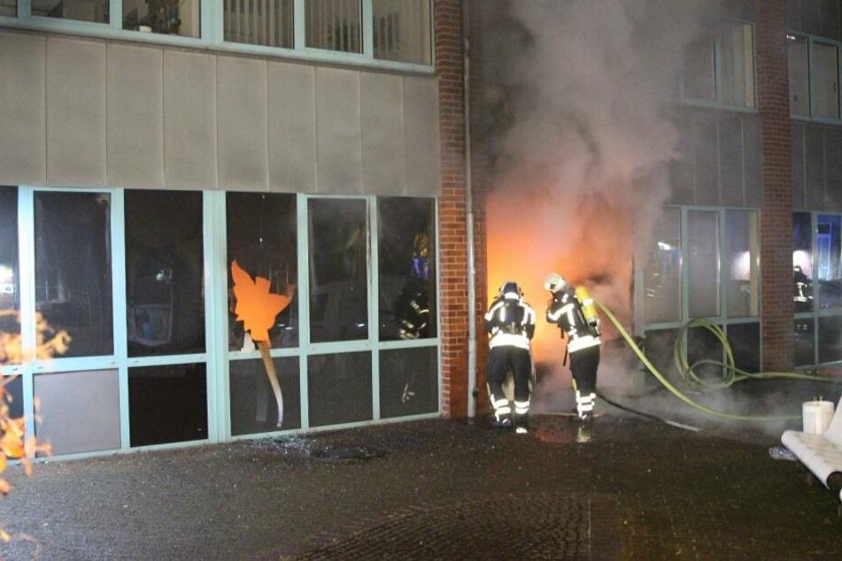 Brandanschlag auf das Finanzamt in Leipzig!