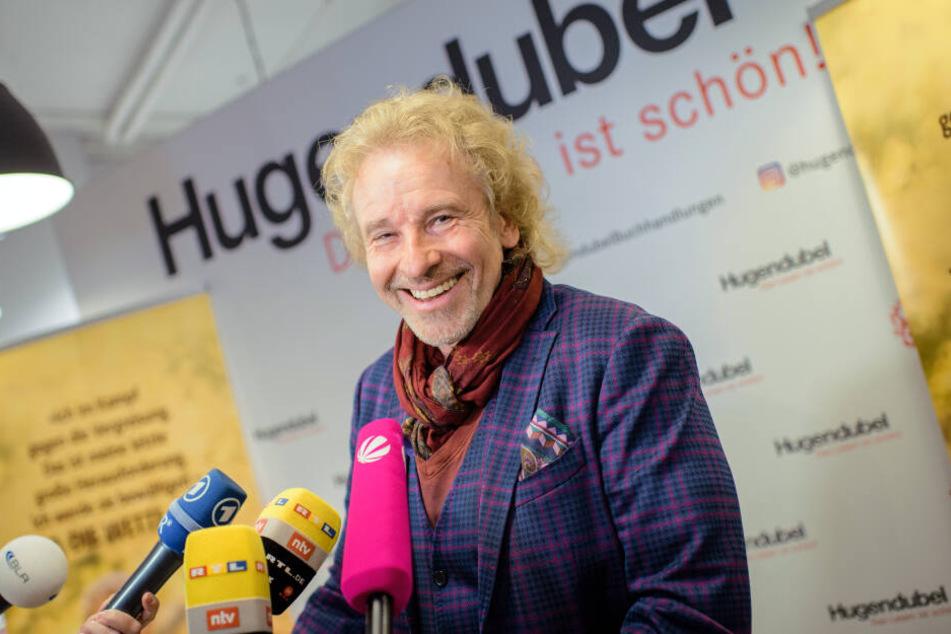 """Thomas Gottschalk, Moderator, wird im Rahmen einer Lesung aus seiner neuen Autobiografie """"Herbstbunt"""" interviewt."""