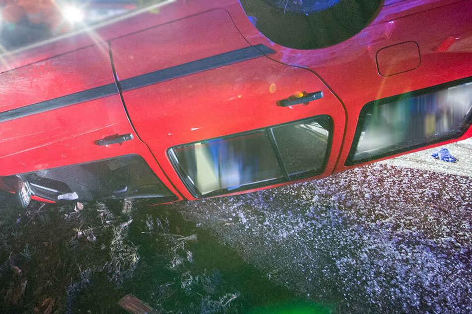 Der mutmaßliche Unfallfahrer und Flüchtige stand laut Polizei unter Alkohol- und Drogeneinfluss.