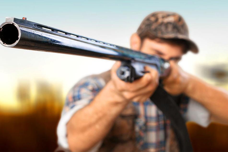 Der Jäger schoss dem Flüchtling aus Notwehr in den Kopf. Der 18-Jährige starb hinterher an seinen schweren Verletzungen.