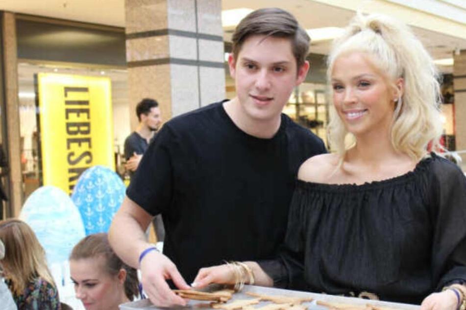 Aneta Sablik zeigte ihren Verlobten Chris Eberl auf einer Veranstaltung in einem Hamburger Einkaufszentrum.
