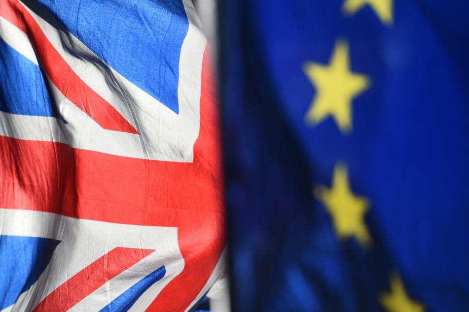 Noch wehen die Britische und die Deutsche Flagge in der EU Seite an Seite, doch der Wind wird sich allem Anschein nach bald drehen.
