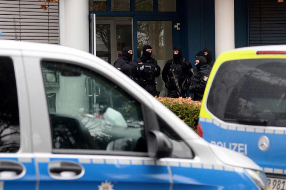 Bei einer bundesweiten Razzia im Rocker-Milieu wurden am Mittwoch sieben Männer festgenommen.