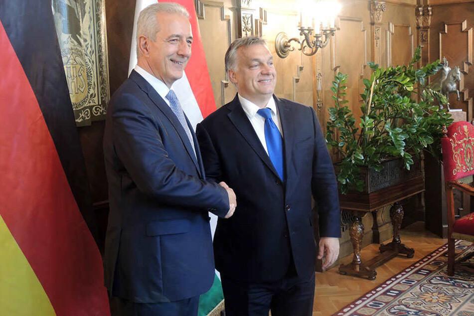 Bundesratspräsident Stanislaw Tillich (57, CDU) traf sich mit Ungarns  umstrittenen Regierungs-Chef Viktor Orbán (53, r.).