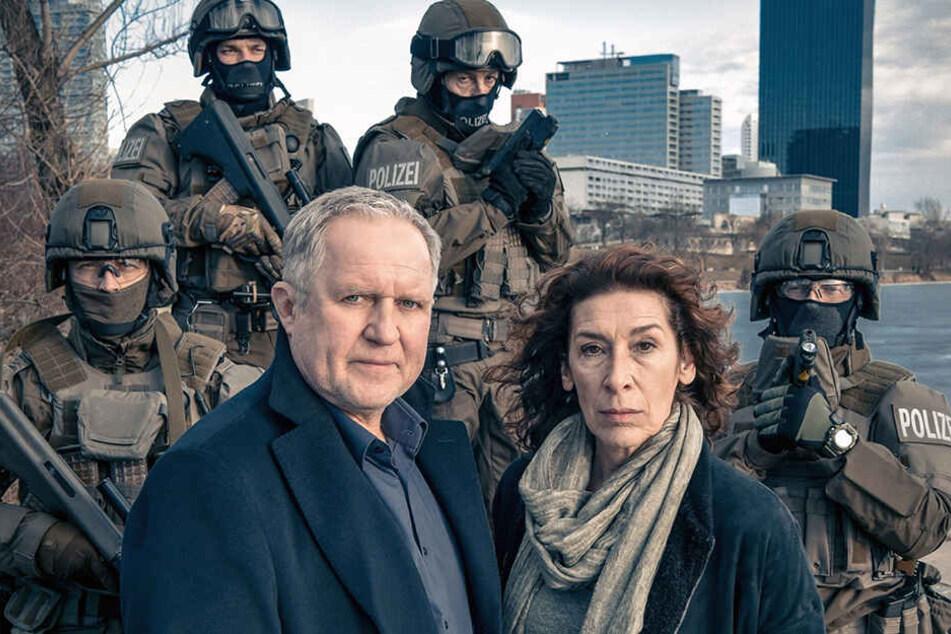 Moritz Eisner (Harald Krassnitzer) und Bibi Fellner (Adele Neuhauser) müssen mit schwerem Geschütz anrücken.