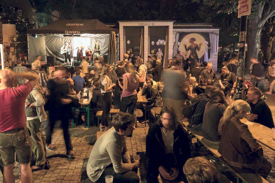 Schwofend begann das Hechtfest am  Freitagabend rund um die St. Pauli Ruine.