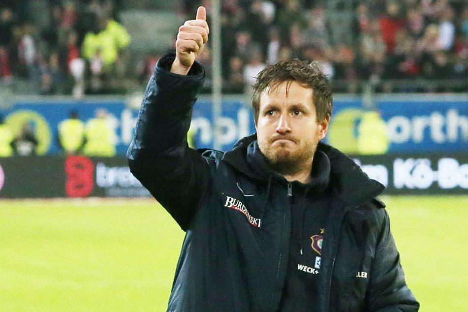 FCE-Coach Hannes Drews war mit dem Auftritt seiner Elf in Düsseldorf zufrieden, monierte nur die schlechte Chancenverwertung.