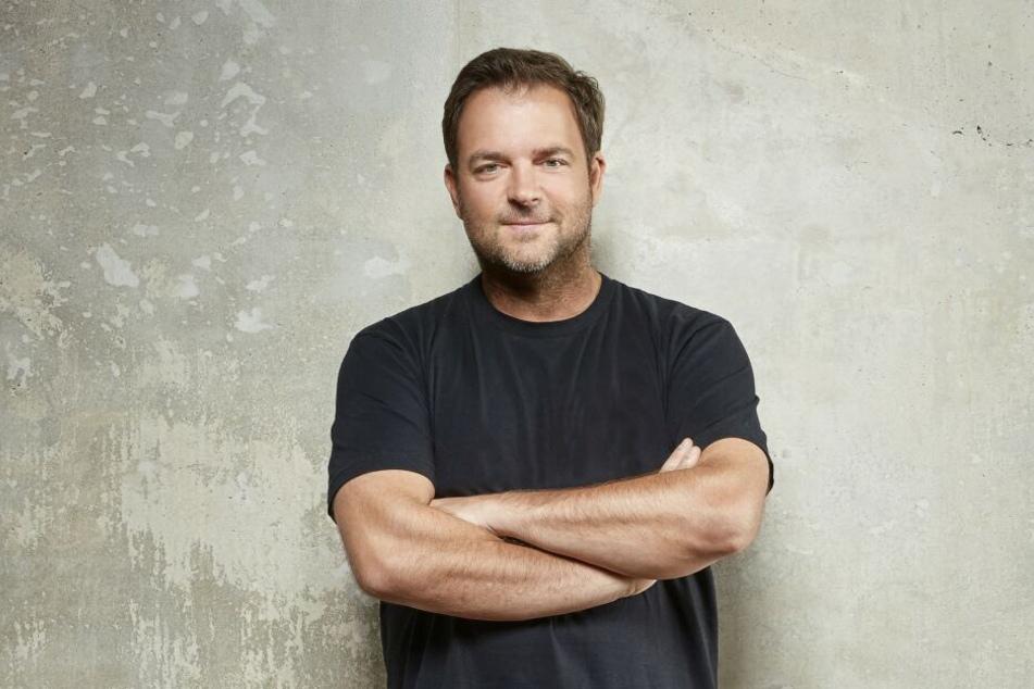 """Martin Rütter (49) kümmert sich in seiner neuen RTL-Sendung """"Achtung Vorschrift"""" um bürokratischen Irrsinn."""