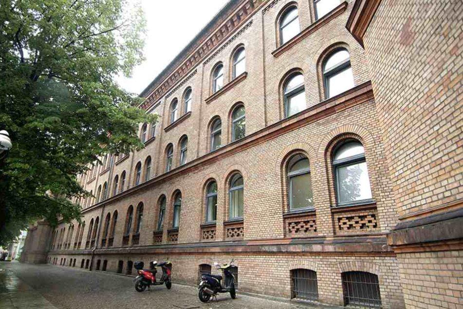 Das Oberstufenzentrum Handel 1 in Kreuzberg ist bis mindestens Dienstag geschlossen.