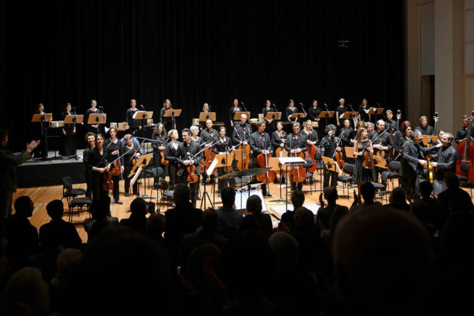 Die Dresdner Sinfoniker sollen nicht auf USA-Seite spielen, nun musizieren sie nur in Mexiko.