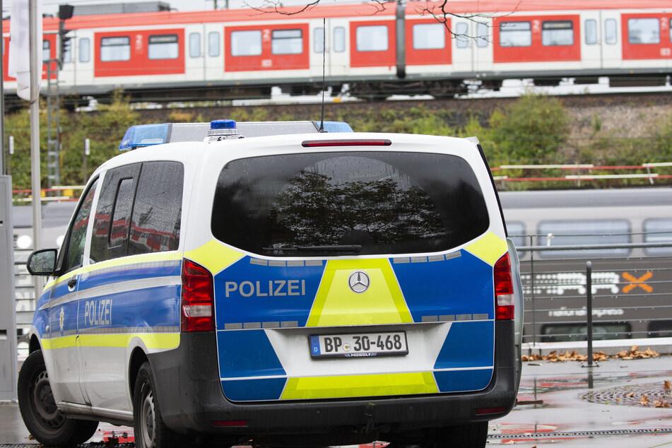 Am Dienstagnachmittag erwischte ein Kontrolleur (39) der Deutschen Bahn ein junges Paar (20, 23) ohne Fahrkarten in einem Regionalzug. Die beiden flippten daraufhin völlig aus (Archivbild).