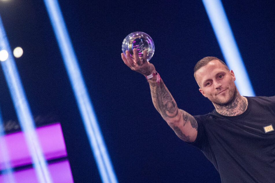 Geht offen mit seiner Vergangenheit um: Der Deutsch-Rapper Kontra K sieht sich als Vorbild für die Jugend.