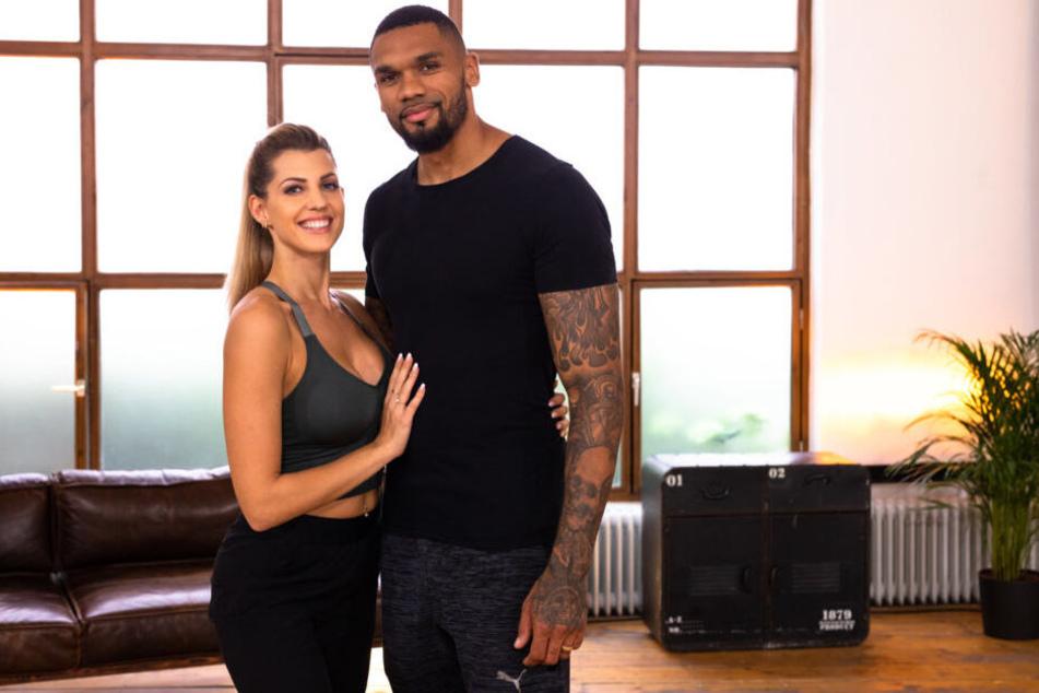 Nehmen es mit den TV-Coaches der Show auf: Sarah und Dominic Harrison.