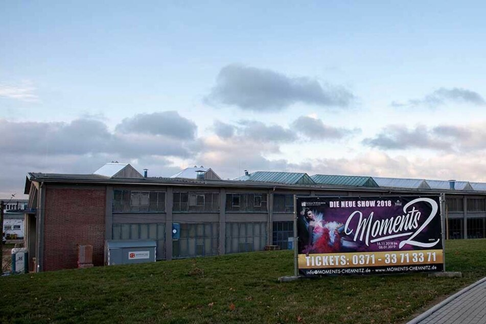 """Das ehemalige Omnibus-Depot bekommt mit dem """"Kraftverkehr-Atrium"""" als Zusatz zur großen Halle eine neue kleine Eventhalle."""