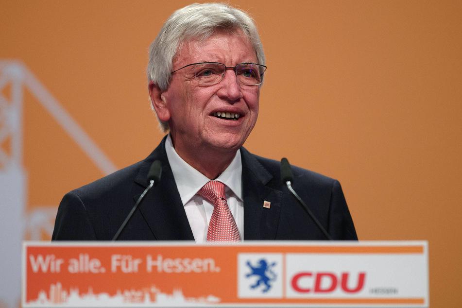 Hessens Ministerpräsident Volker Bouffier (CDU) macht sich für bundesweite Corona-Regeln stark.