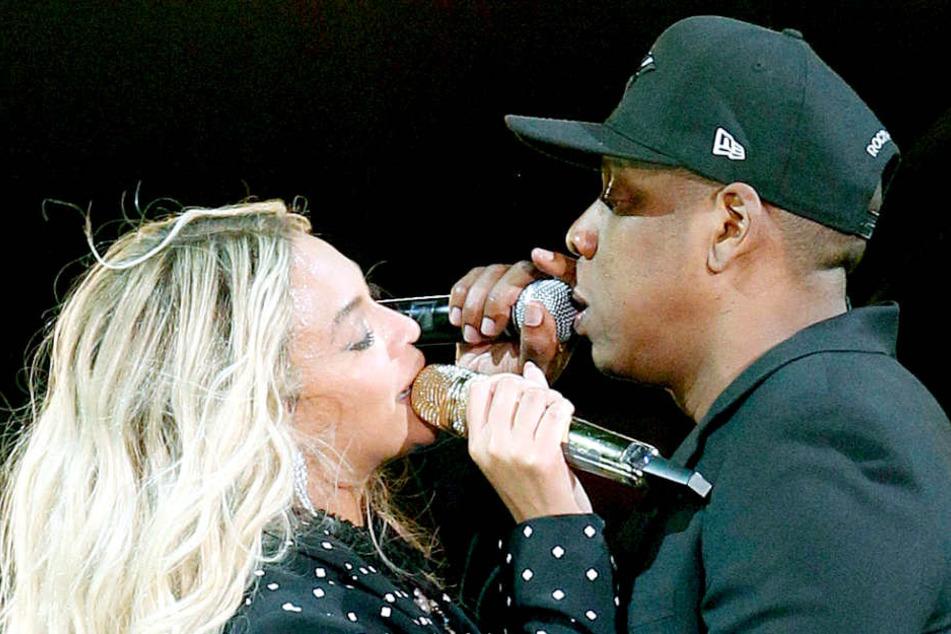 Kurz vor ihrem Auftritt in Berlin mussten Beyoncé (36) und Jay-Z (48) mit ihren Kindern zum Notarzt.