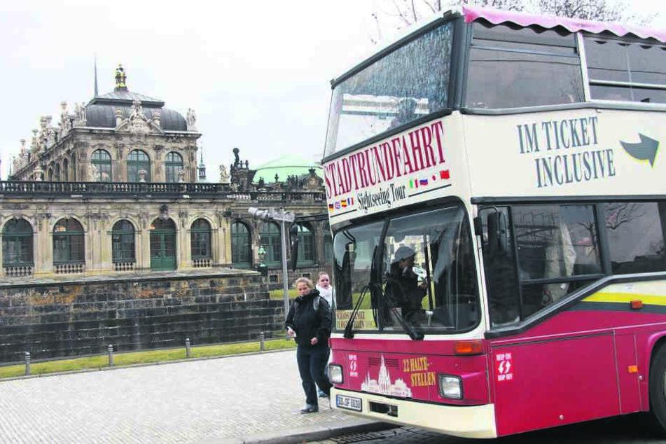 Wer heute zu zweit mit der Stadtrundfahrt Dresden entdeckt, kann seinen Liebsten gratis mitnehmen.