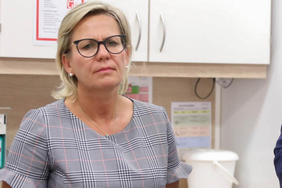 Ministerin Barbara Klepsch (54, CDU) räumte ein, dass der Austausch schon länger geplant war.