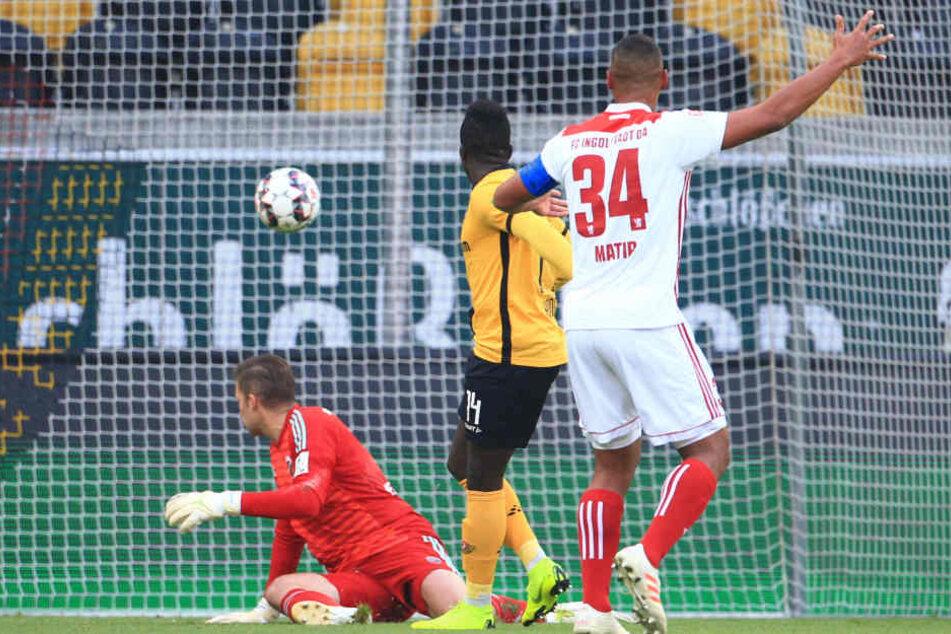 Hier trifft Moussa Koné zum 2:0 für die Schwarz-Gelben.