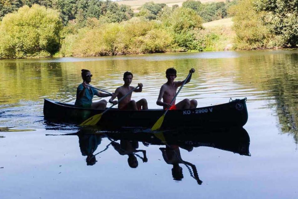 Vor allen Dingen Kinder und Jugendliche vertreiben sich gerne die Zeit auf dem Wasser.