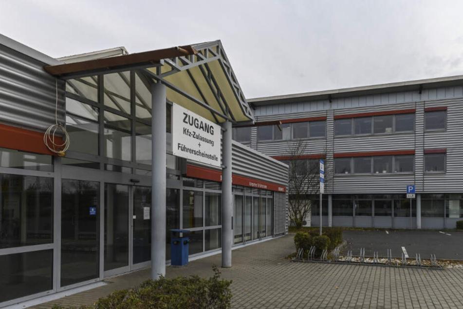 Die Zulassungstelle an der Hauboldstraße macht eine Woche lang dicht.